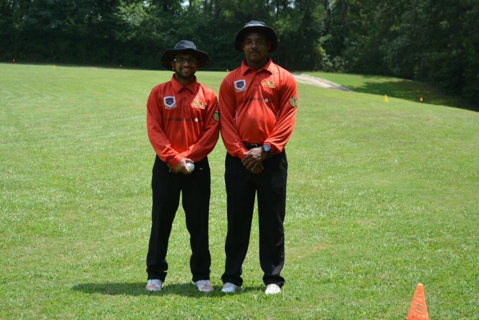 Umpires-Noor and Lindo.jpe