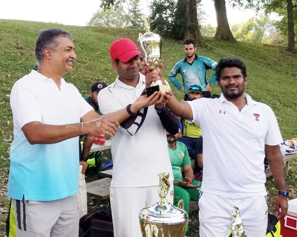 Runners up Trophie being presented to Mastan of Avengers